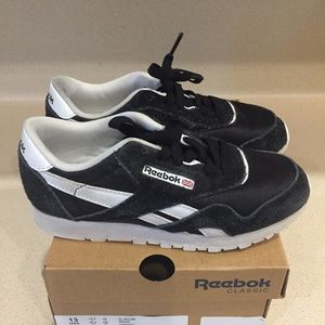 Reebok boys shoes size 13 black and white